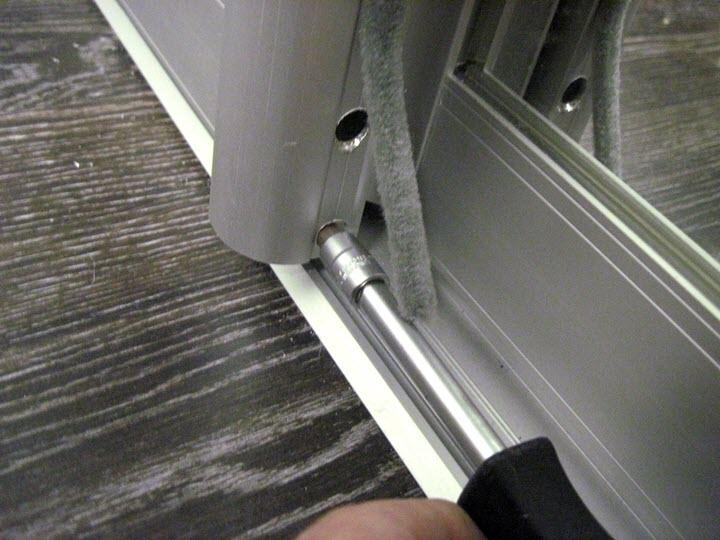 Регулировка дверей в шкаф купе своими руками 146