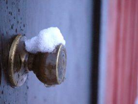 Утепление двери из металла