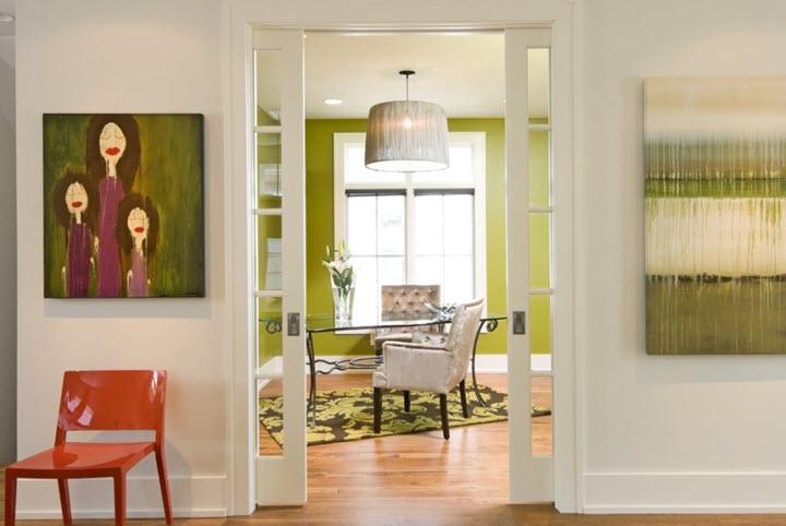 Раздвижные двери значительно экономят пространство